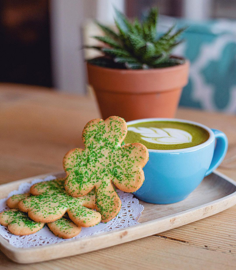 shamrock cookies r cafe